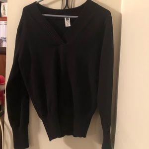 Gap Black V-Neck Sweater-Size Large
